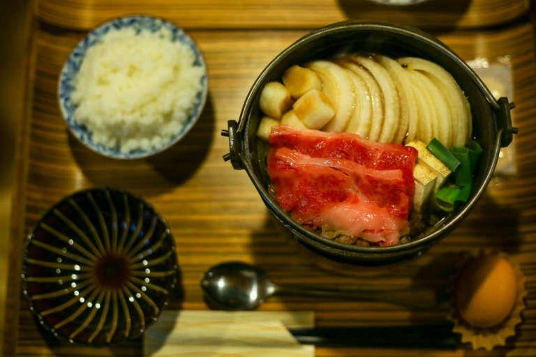 売り切れ必至!京都でリーズナブルに肉料理を味わう 佰食屋 すき焼き専科