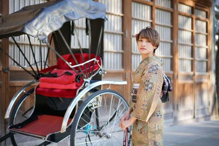 個性豊かな俥夫さんのトークが楽しい「人力車」での浅草観光がおすすめ!