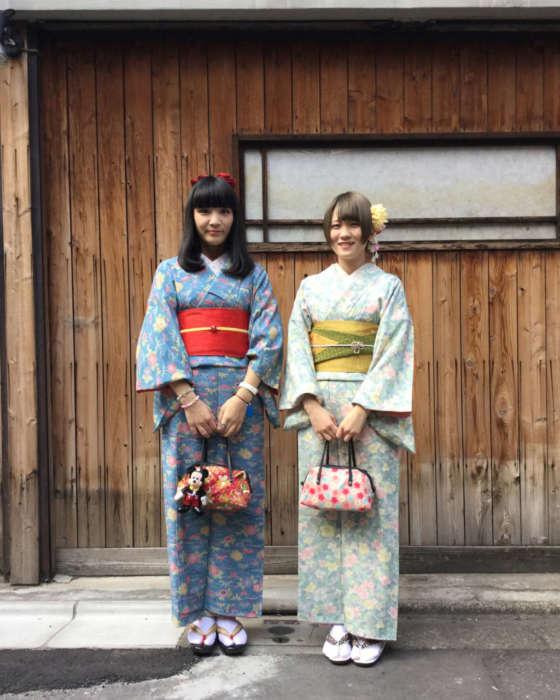 浅草店アンティーク着物お客様の写真