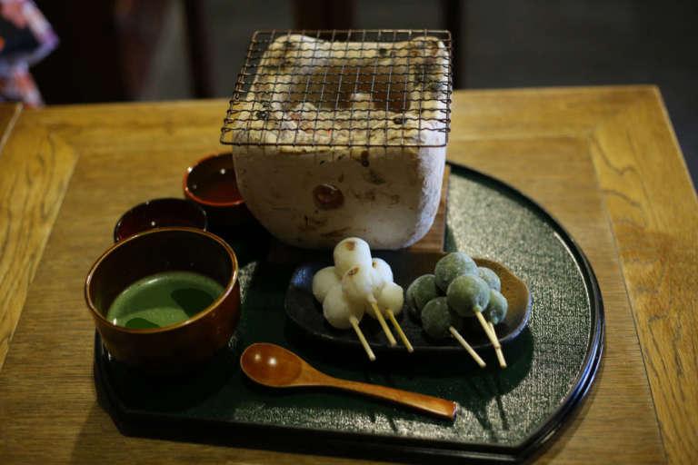嵐山の街歩きに疲れたらここでひと休みを イクスカフェ 京都嵐山本店