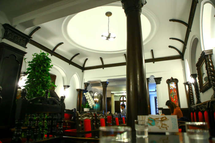 フランソワ喫茶室内観