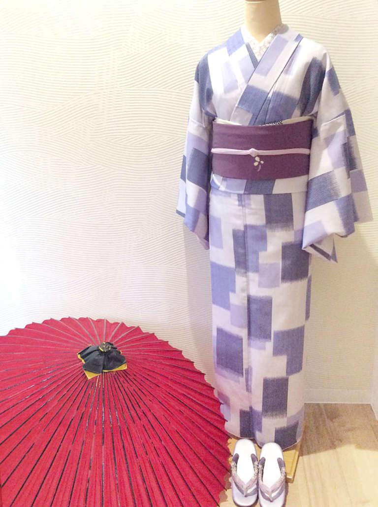 雨の祇園は番傘をさして♪雨の日着物コーディネートのご提案