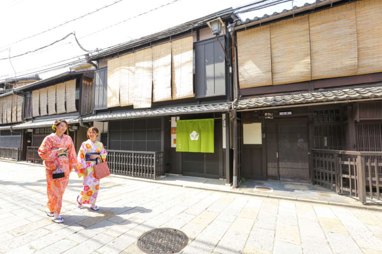 【お知らせ】祇園新橋店 着物レンタル始まります