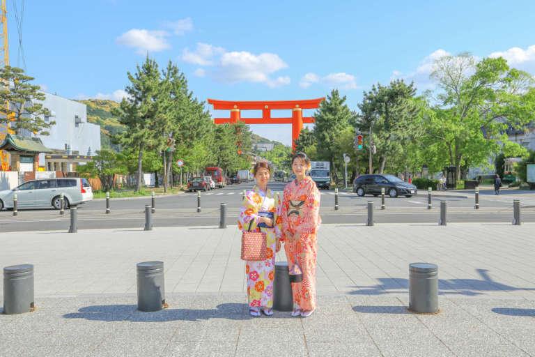 京都の王朝文化が香る境内に着物が映える! 平安神宮