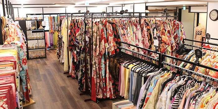 ゆっくり着物を選べる広々空間