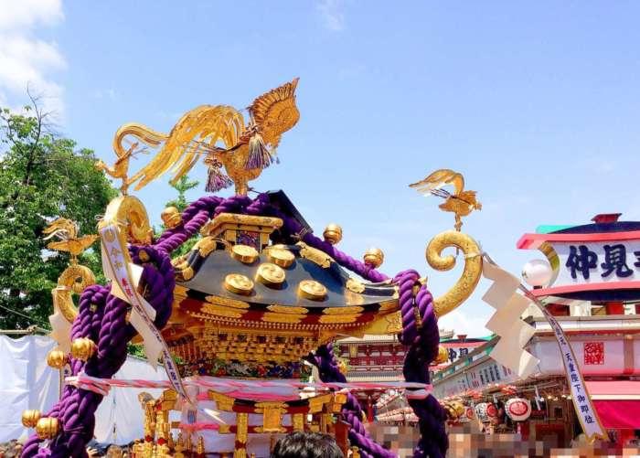 三社祭の神輿