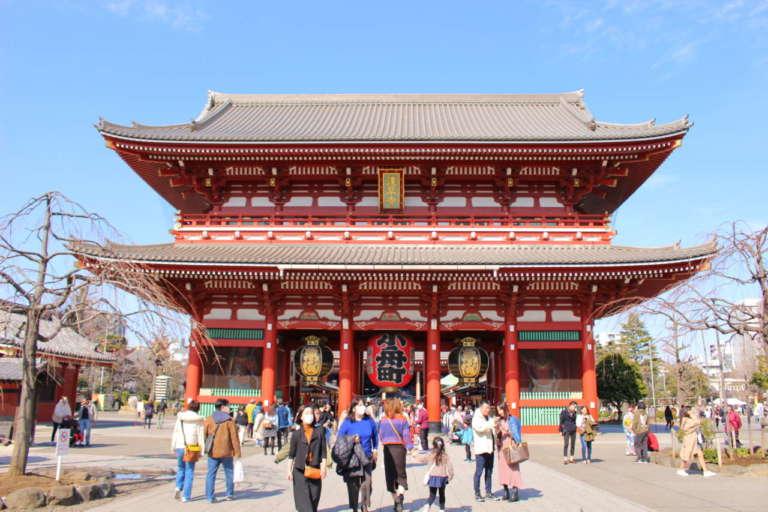 浅草の名所「浅草寺」で運試し!境内の見どころもチェック