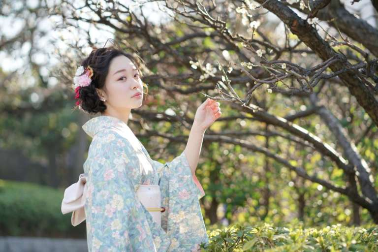 派手な桜の前には、奥ゆかしい梅の季節♪